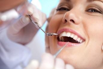 Facetas de Porcelana ou Lente de Contato Dental